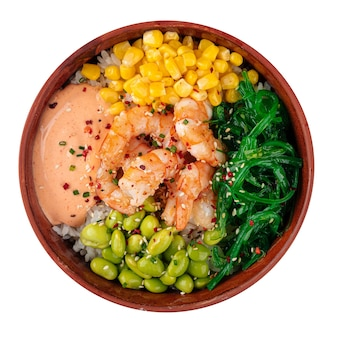 Gambero hawaiano isolato poke bowl con verdure