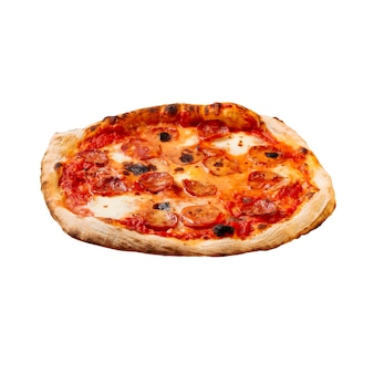 Pizza salame isolato con pomodoro e mozzarella
