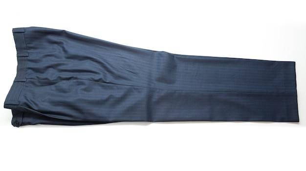 Colpo isolato di pantaloni classici a righe blu maschili