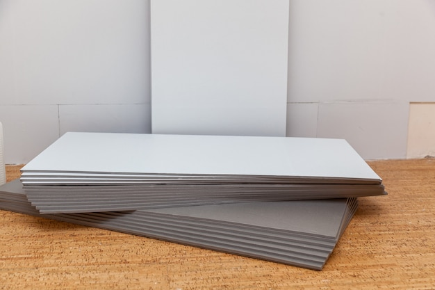 Pannelli isolanti per l'economia del calore, materiali da costruzione per la riparazione di case e appartamenti