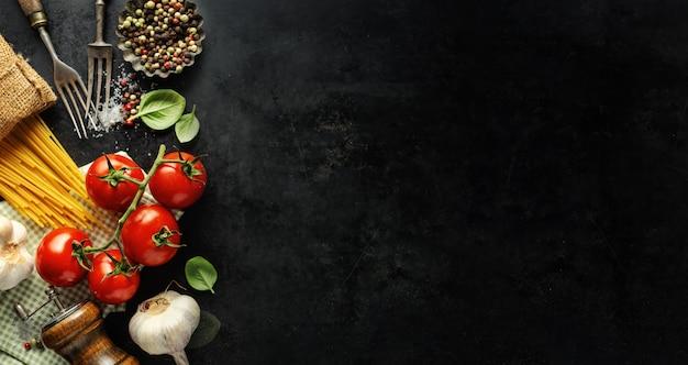 Cibo italiano con ingredienti