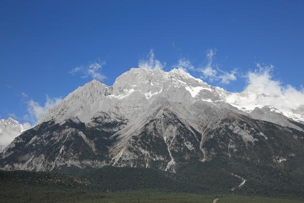 Parco nazionale di jade dragon snow mountain, yunnan, cina