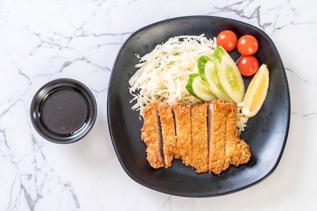 Cotoletta di maiale fritta giapponese (set tonkatsu)