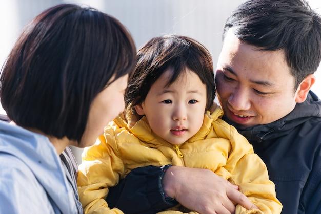 Famiglia giapponese a tokyo