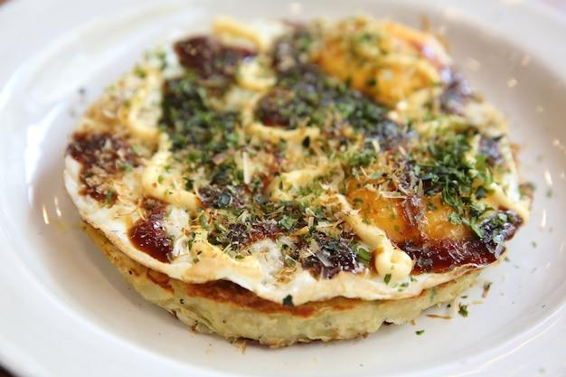 Okonomiyaki di cibo giapponese, pizza giapponese?