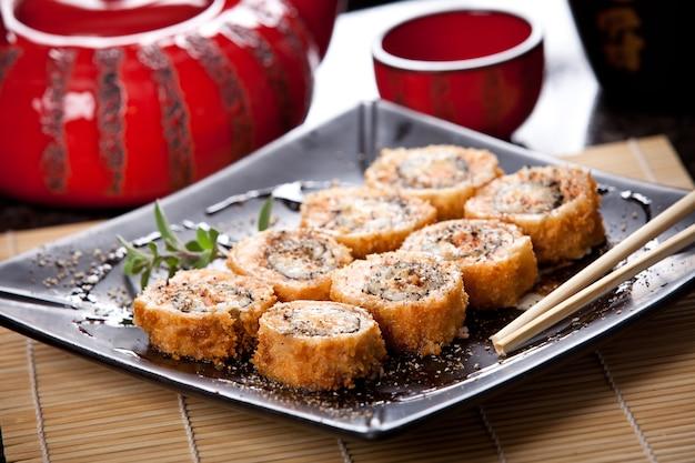 Cibo giapponese con hashi