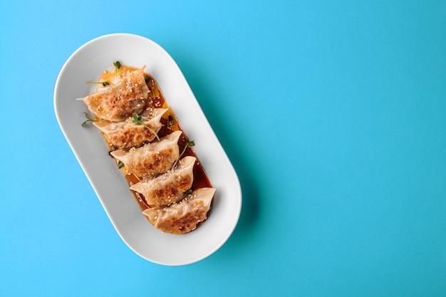 Gnocchi di gedza giapponesi con salsa di soia