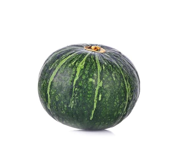 Zucca giapponese verde su bianco