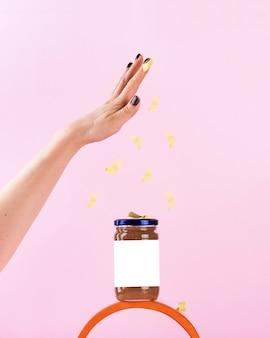 Un barattolo di marmellata con un posto per il tuo logo uno spazio luminoso per la copia di un concetto