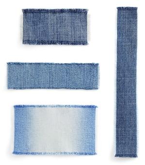 Struttura dei jeans blu su sfondo bianco