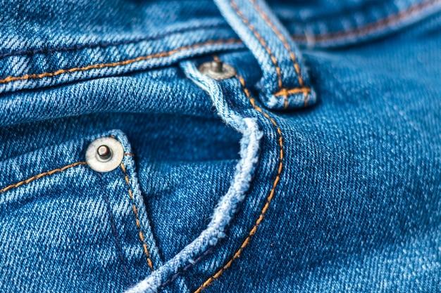 Parte anteriore in jeans con tasca e rivetti