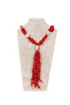 Collana di gioielli isolato su sfondo bianco