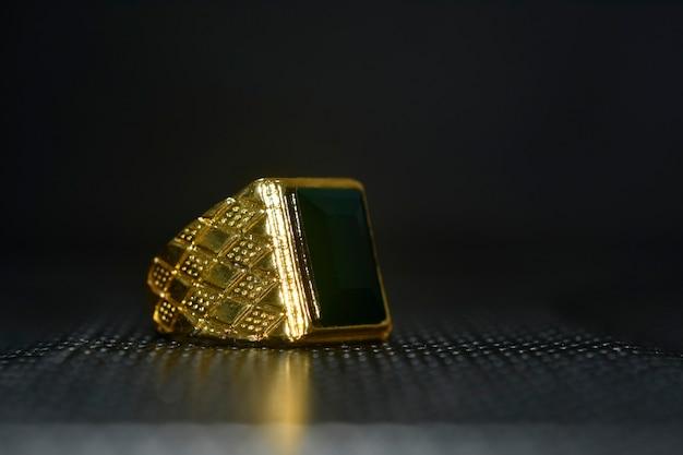 Anello gioielli in oro con blackonyx