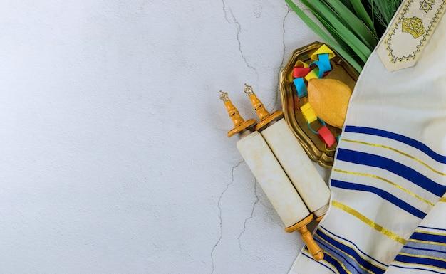 Festa ebrea sukkot simboli tradizionali quattro specie etrog lulav hadas arava