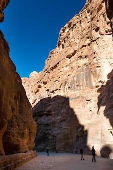 Jordan famoso canyon di petra