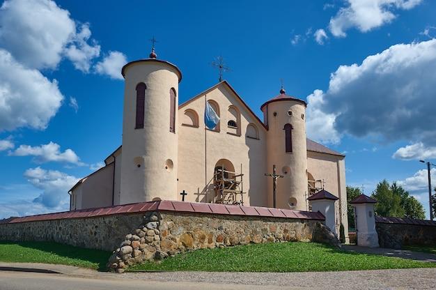 Kamai, chiesa fortificata di san giovanni battista., bielorussia, distretto di myadzyel