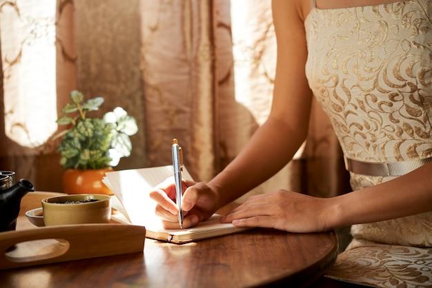 Tenere un diario di gratitudine