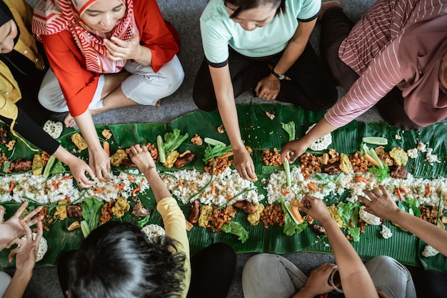 Kembulan javanese che mangia tradizione