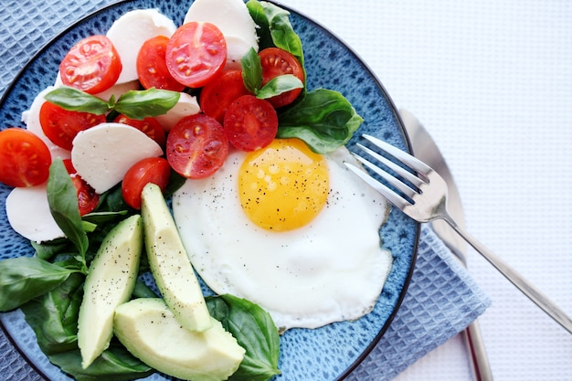 Dieta paleo chetogenica. colazione salutare.