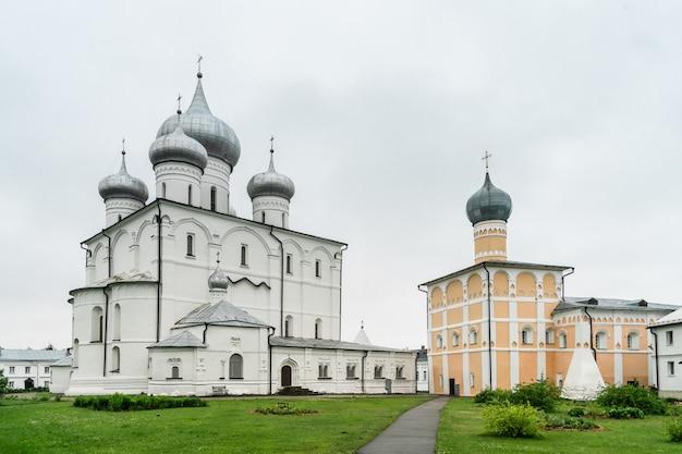 Khutyn monastero della trasfigurazione del salvatore e di san varlaam. novgorod il grande, russia