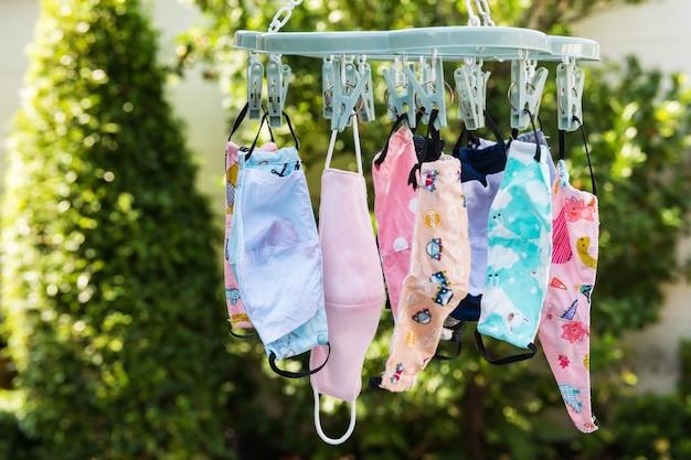 Maschera per bambini appendere dopo il lavaggio per riutilizzarla