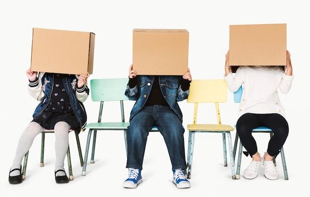 Gioco di bambini e scatole
