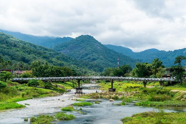 Villaggio di kiriwong - uno dei migliori villaggi di aria fresca in thailandia e vive nella vecchia cultura in stile thailandese. situato a nakhon si thammarat, nel sud della thailandia