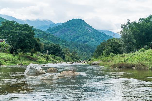 Villaggio di kiriwong - uno dei migliori villaggi all'aria aperta in thailandia e vive nella vecchia cultura in stile tailandese. situato a nakhon si thammarat, nel sud della thailandia