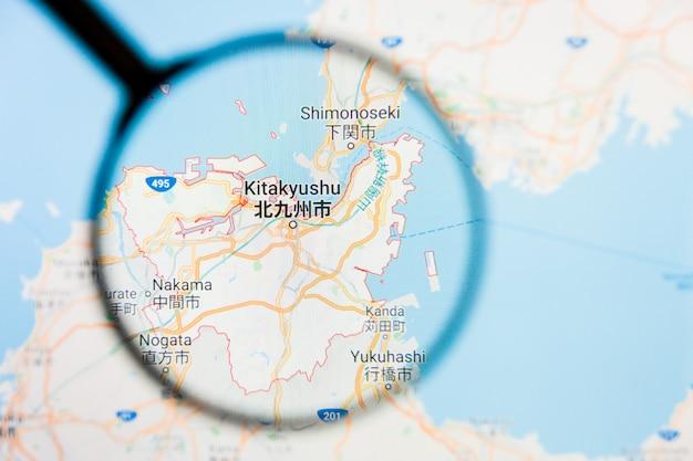 Concetto illustrativo di visualizzazione della città di kitakyushu sullo schermo di visualizzazione tramite la lente d'ingrandimento