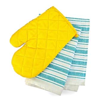 Asciugamano da cucina, presina gialla sotto forma di guanto isolato