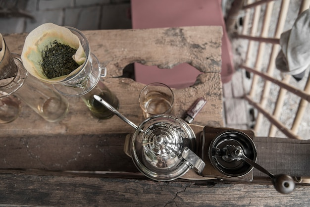Kit per preparare caffè fresco in tonalità vintage
