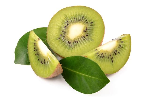 Kiwi su uno sfondo bianco