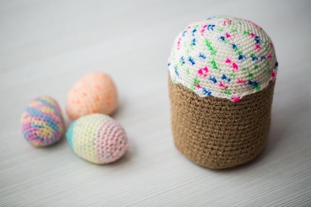Uova di pasqua lavorate a maglia