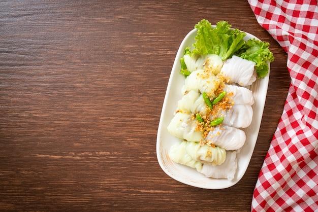 (kow griep pag mor) pacchi di riso al vapore di maiale o gnocchi di pelle di riso al vapore