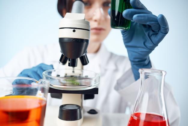 Laboratorio di soluzioni chimiche ricerca esperimento scienza