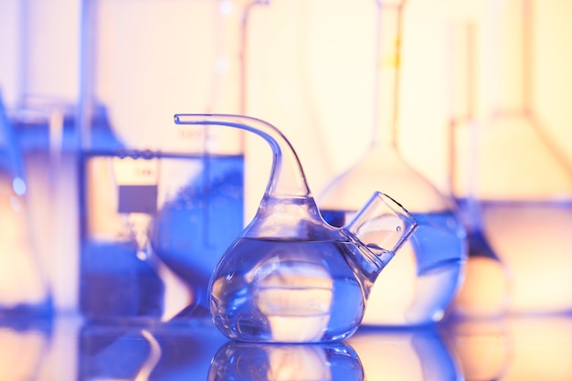 Vetro da laboratorio per chimica o medicina per la ricerca still life