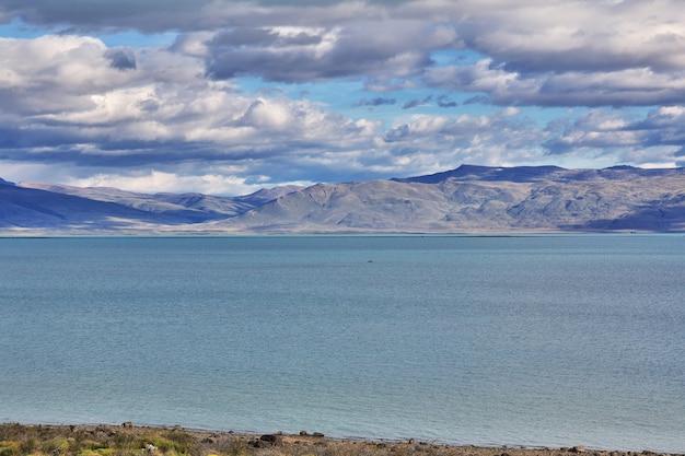 Lago lago argentino a el calafate, patagonia, argentina