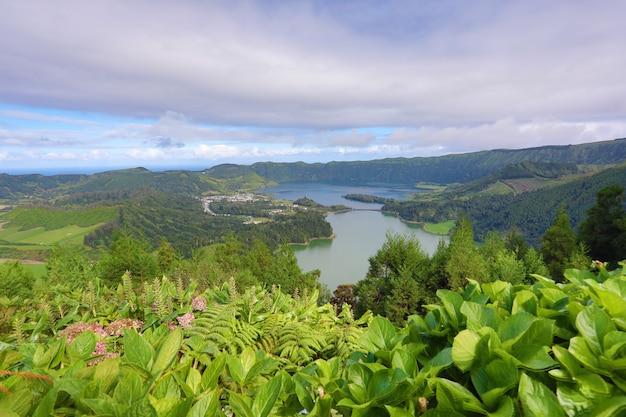 Lagoa das 7 cidades (laguna delle sette città) - azzorre - portogallo