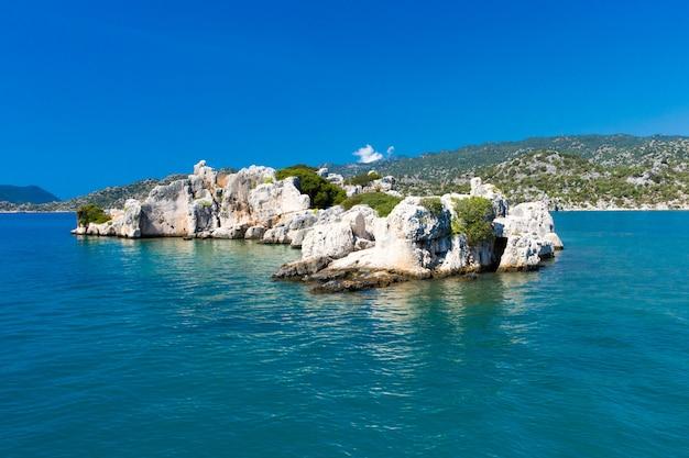Laguna nella vista del paesaggio del mare della spiaggia