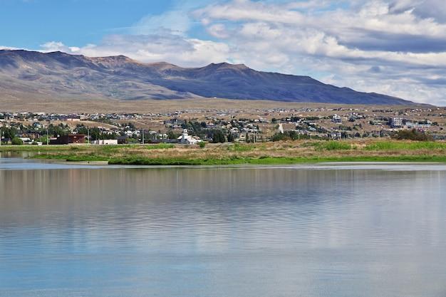 Laguna nimez reserva a el calafate, patagonia, argentina