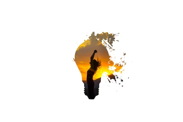 Lampadina isolata su priorità bassa bianca. donna con il tramonto. nuovo concetto di idea.