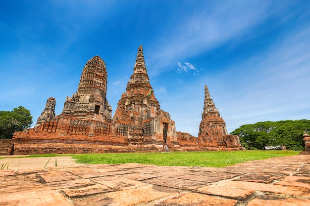 Paesaggio del parco storico di ayutthaya a ayutthaya, tailandia