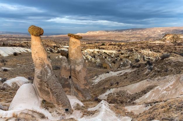 Foto paesaggistica delle tre bellezze di urgup, turchia