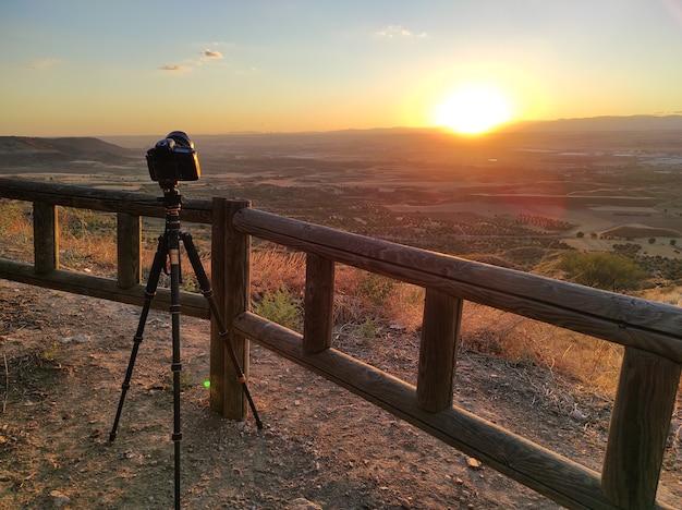 Fotografia di paesaggio dal punto di vista. fotografia al tramonto.