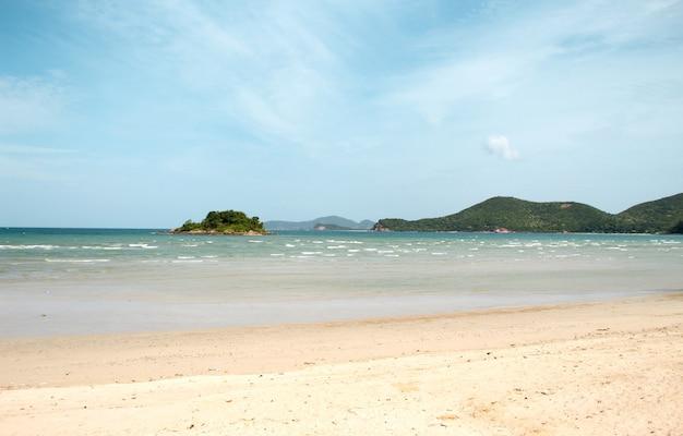 Paesaggio estivo spiaggia d'estate