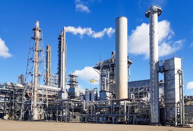 Officina di grande capacità per la produzione di ammoniaca di un impianto petrolchimico
