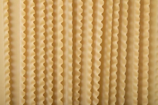 Consistenza dei maccheroni di pasta lasagna.