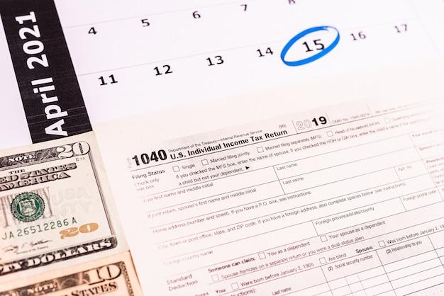 L'ultimo giorno per presentare le tasse tramite il modulo è aprile