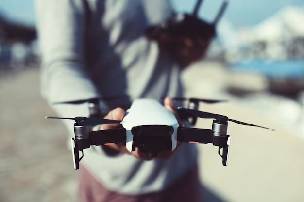 Avvia e visualizza quadrocopter, drone