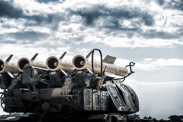 Lanciatore del sistema a razzo semovente